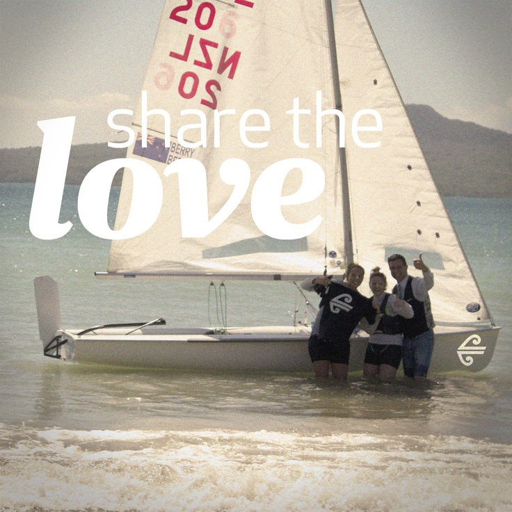 Our team went to Takapuna Beach, Auckland, to celebrate summer and Share The Love http://twitter.com/flyairnz