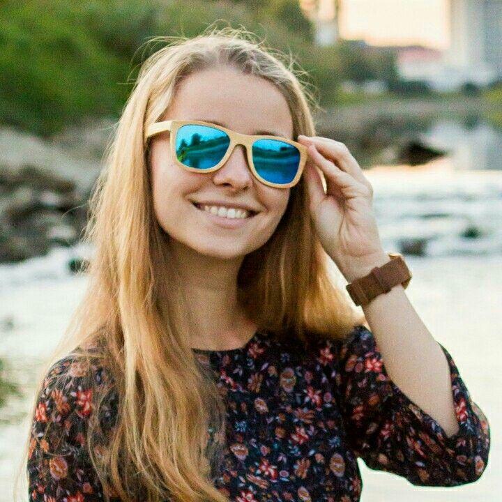 Smile! It's a wonderful thing 💚🌱😎 #bamboosunglasses