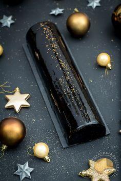 Bûche chocolat, riz soufflé et praliné de sésame noir et de pignons de pin _ Sans gluten