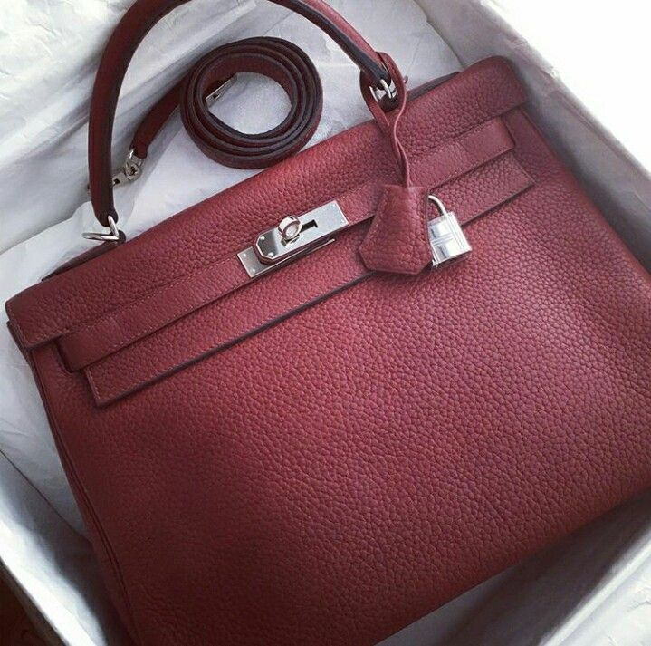 Model  Hermes Kelly 32 Condition  Preowned Stamp  R Color  Rouge H Leather 485eb6e025127