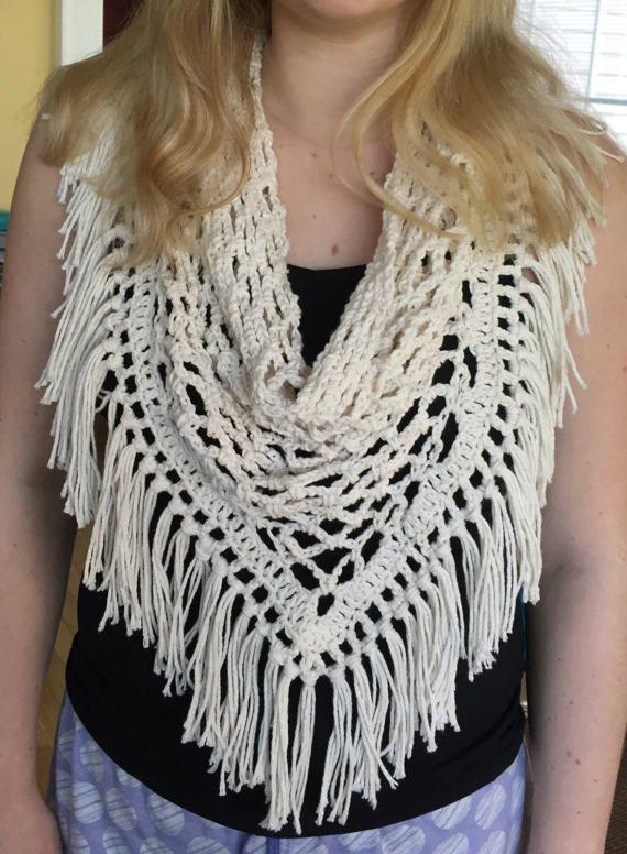 Gehaakte driehoek fringe sjaal