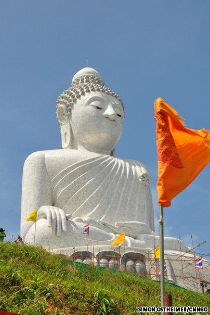 Big Buddha in Phuket, Thailand. I really wanna go to Phuket