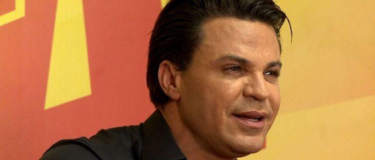 O cantor fez uma declaração de apoio ao deputado federal Jair Bolsonaro, que faz apologia aos crimes de homofobia em seus discursos na Câmara dos Deputados