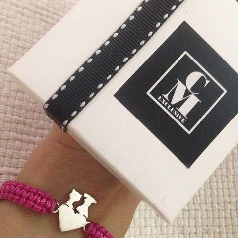 😻❤️🐶😻❤️🐶  .  .  .  Pulseritas elaboradas en plata 925, caladas a mano, siluetas montadas en cuerito tejido macramé ajustable. .  .  .  #cmexclusive #plata925 #orfebrería #hechoamano #accesorios #plata #hechoenvenezuela #venezuela #silver #handmadejewelry #accessories #jewelry #joyas #piezaspersonalizadas #gargantilla #necklace #pulseras #bracelet #designersvenezuela #piezasexclusivas #tuatuendovenezolano #talentovenezolano #tendencia #mascotas #pet #perros #dogs #soytalentovenezolano…