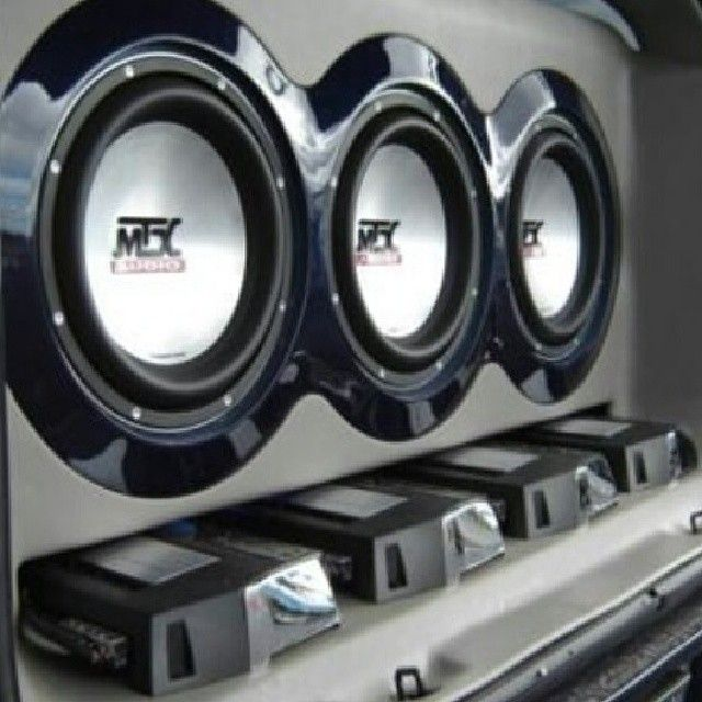 custom MTX Audio installation with 9500 subwoofers and Thunder Elite amplifiers
