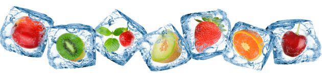 Como congelar comida para marmitas light? Prepare pratos da semana toda em UM dia  Cubinhos de gelo   O congelamento de frutas e verduras em formato de cubinhos é uma boa alternativa para aumentar a praticidade na cozinha no preparo de sucos, smoothie e vitaminas. Além disso, o cubinho de ervas com azeite pode ser usado no preparo das suas refeições (ex.: ensopados, refogados, sopas, etc), é só colocar na panela e utilizar, seu azeite vai ter todo o sabor e perfume das ervas.