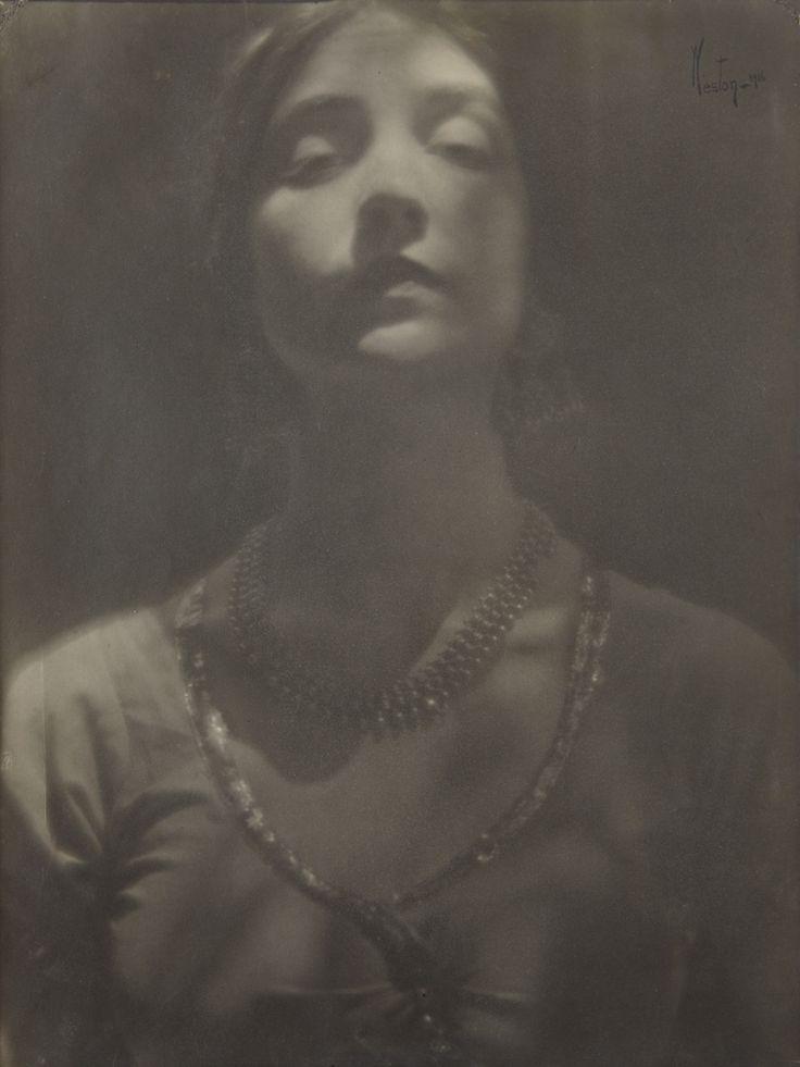 Edward Weston, Portrait of a Woman,  1916