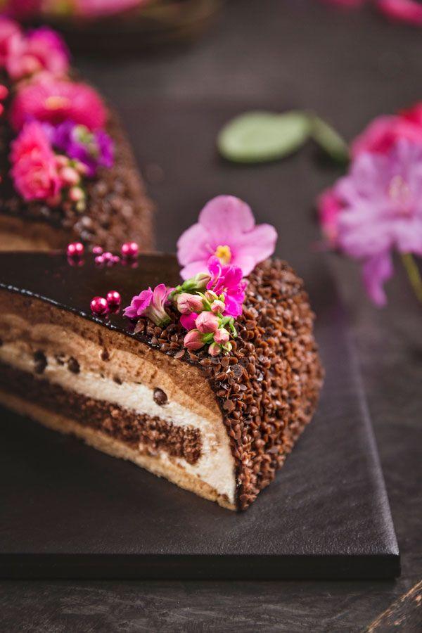Hochzeitstorte Mousse Au Chocolat In Ringform Hochzeitstorte In