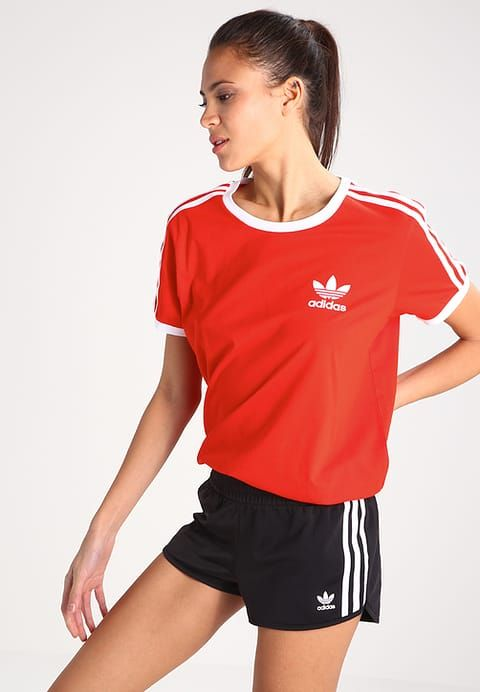 d18dc752d00c7 Vêtements adidas Originals T-shirt imprimé - core red rouge clair  29,95 €  chez Zalando (au 16 04 17). Livraison et retours gratuits et ser…