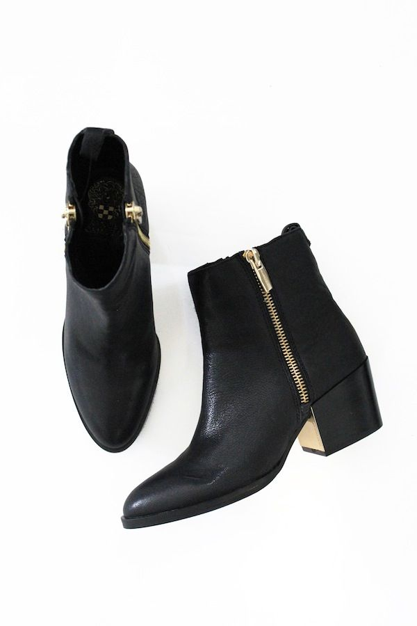black ankle boots with double zippers and gold plated heels #style #fashion #shoes