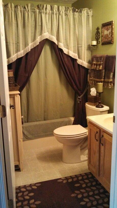 Love This Small Tuscan Bathroom