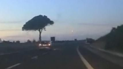 Mistero in Sardegna, palla di fuoco attraversa il cielo