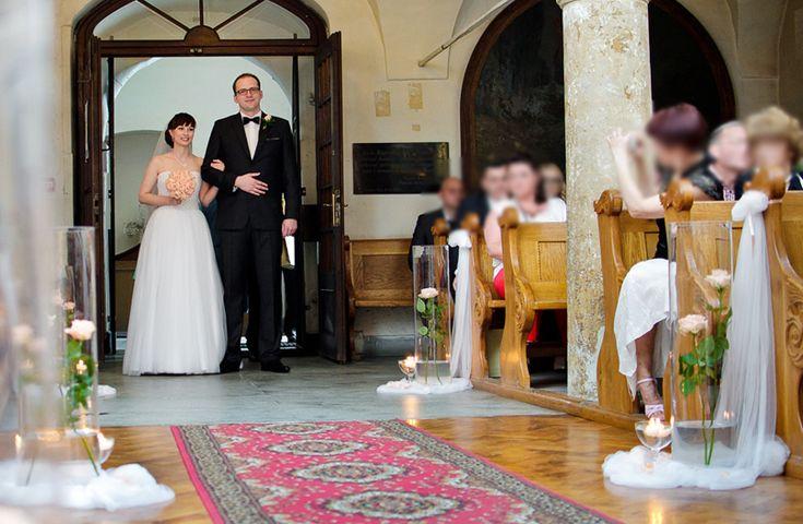 dekoracja-kościoła-na-ślub-3