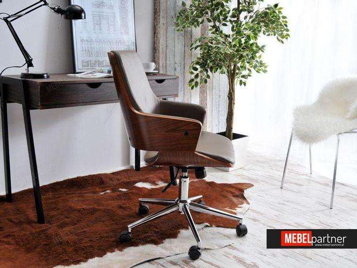 Elegancki fotel biurowy drewniany OSKAR orzechowo - beżowy.