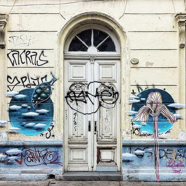 Old Front Door in Santiago de Chile by @laciudadalinsta #santiago #chile #instagram #instagramers