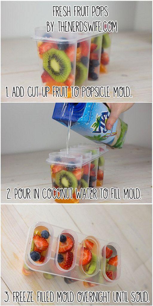 Sigue estos tres pasos súper fáciles para hacer estas paletas de fruta fresca. | 23 bocadillos fáciles (en serio) que tus hijos amarán