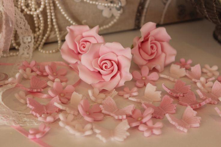 weiteres zuckerblumen tortendeko taufe hochzeit rosen ein designerst ck von jennys. Black Bedroom Furniture Sets. Home Design Ideas