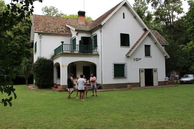 Espectacular casa de campo rodeado de bosque - Alojamientos vacacionales en alquiler en Francisco Alvarez, Buenos Aires, Argentina