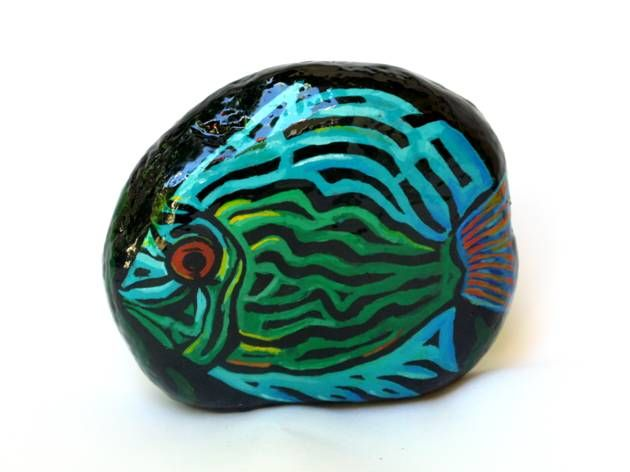 "Galet peint ""Blue Fish"" by Elvira G"