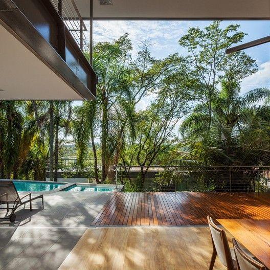 Casa LLM,© Nelson Kon