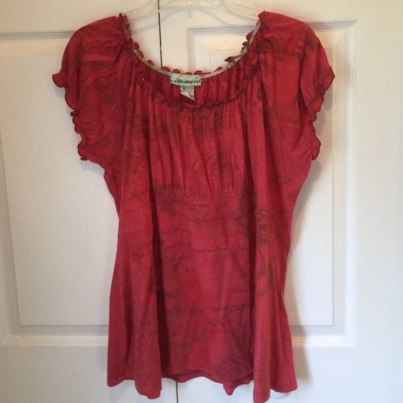 BURNT ORANGE SHORT SLEEVE TOP Burnt orange short sleeve top has a band under chest ruffled neck line and sleeve cuff. Great condition Dress Barn Tops Tees - Short Sleeve