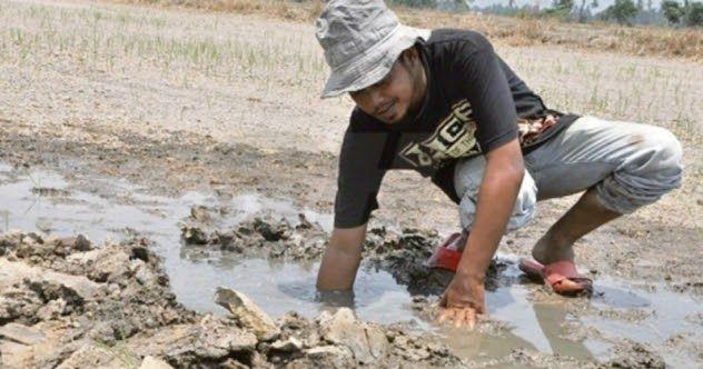 #HeyUnik  Subhanallah, Sholat Istisqa Langsung Dijawab Allah dengan Sumber Air #Alam #Sosial #Unik #YangUnikEmangAsyik