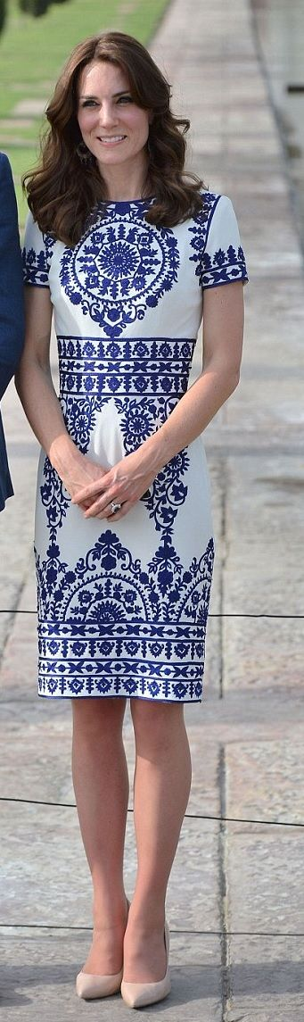 Kate Middleton in Naeem Khan  http://hrhduchesskate.blogspot.sg/2016/04/william-and-kate-make-new-memories-as.html  http://www.dailymail.co.uk/news/article-3543048/Preparations-underway-Kate-William-s-arrival-Taj-Mahal-24-years-mother-Diana-s-visit.html  http://www.telegraph.co.uk/fashion/people/kate-middleton-duchess-of-cambridge-style/