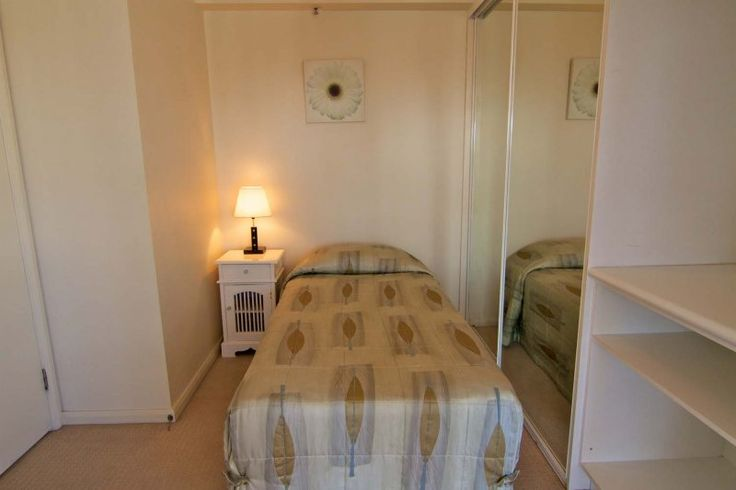 Victoria Square Apartments - 1 single bedroom - Affordable Broadbeach Family Accommodation