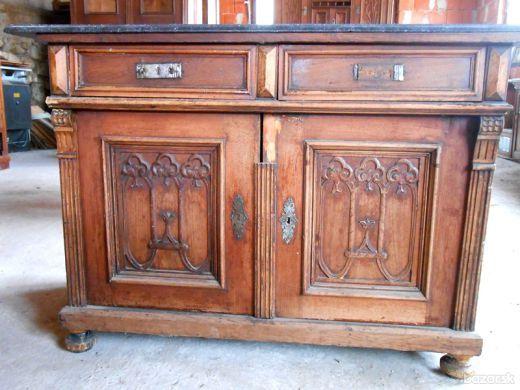 Predám starožitný nábytok - skrine, komody, truhlicu, príborník, stolíky, šijacie stroje, orchestrion..... Cena dohodou - Bratislava III Treba vidieť.