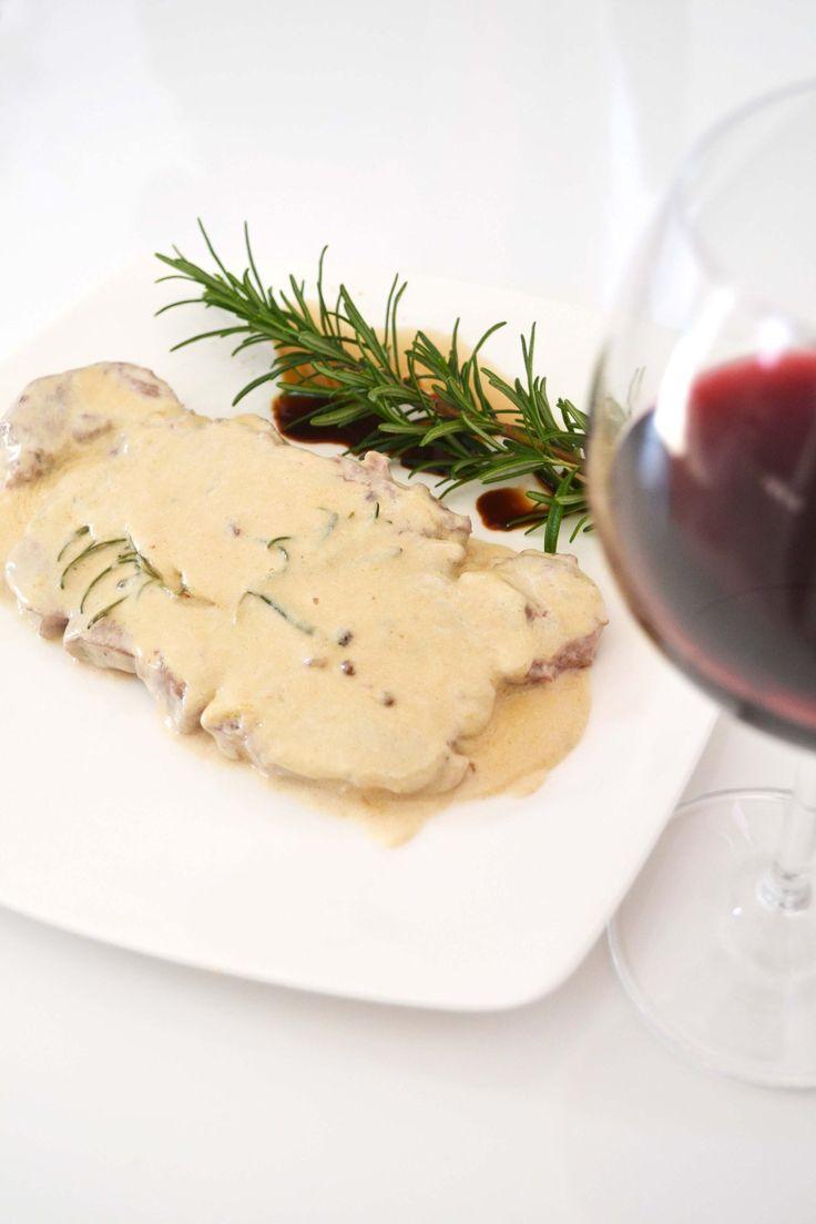 Filetto di manzo al cognac, burro, panna, rosmarino e pepe misto