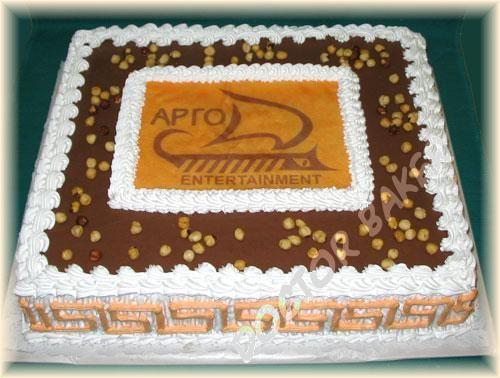 Прямоугольный торт с ромашками фото