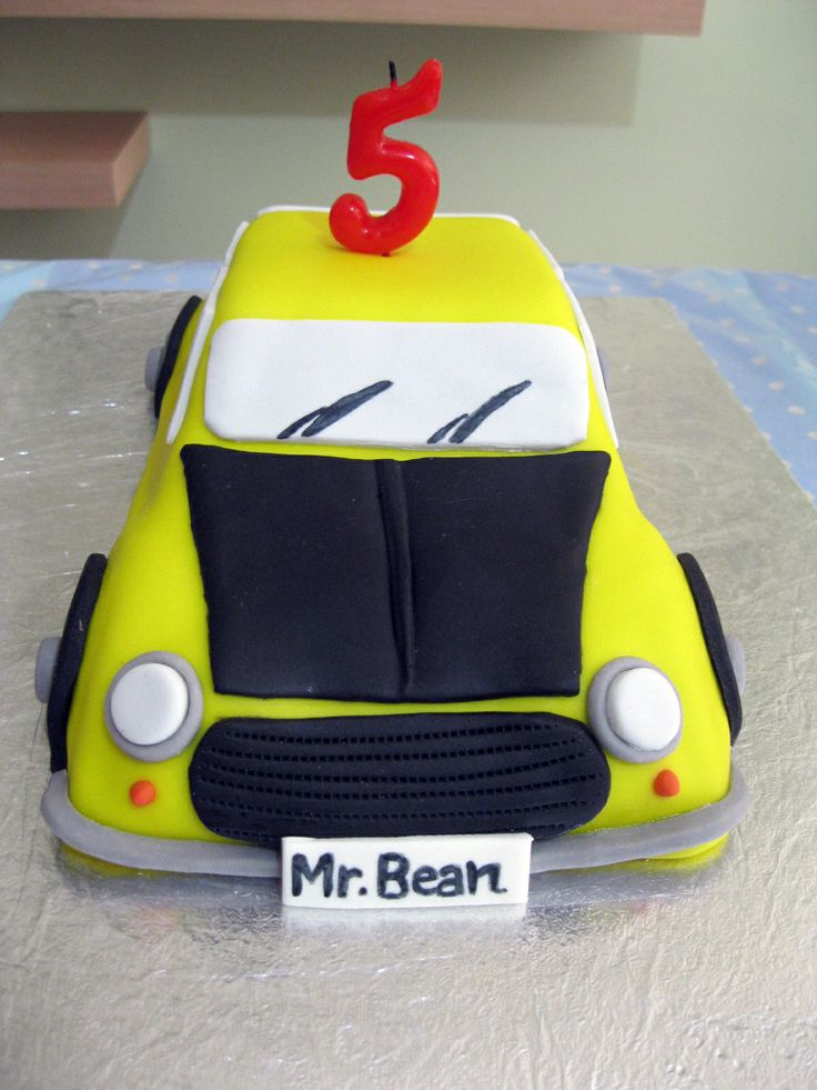 Bolo de aniversário- made by me- do carro do Mr. Bean.