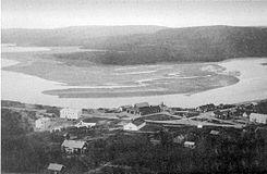 Pechenga (en ruso: Пече́нга) es una pequeña localidad de tipo urbano de Rusia europea septentrional, situada en el las riberas del río Pechenga unos pocos kilómetros al sur de la bahía del Pechenga. La ciudad se encuentra estrátegicamente situada cerca de la frontera que Rusia tiene con Noruega, así como también está inmersa en una importante zona minera. Entre los años 1920 y 1944 Pechenga perteneció a Finlandia y era entonces llamada Petsamo (Петсамо) o Pétsamo.