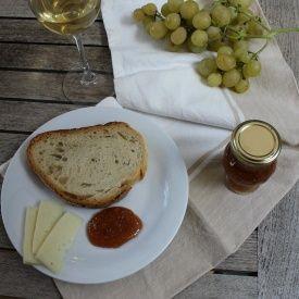 Marmellata uva, fichi e mele. Condivisa da: http://blog.giallozafferano.it/dadinkitchen