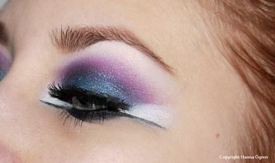 http://hannaogren.blogg.se/2012/february/arabisk-sminkning-lite-mer-extrem.html