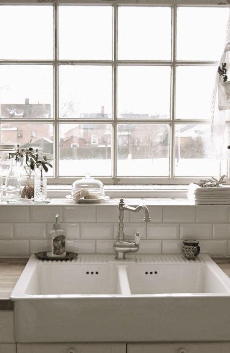 White: White Tile, Kitchens Design, Window, Farms Sinks, Farmhouse Sinks, Design Kitchens, Subway Tiles, Kitchens Sinks, White Kitchens