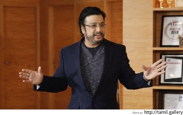 Actor Karthik turns director! - http://tamilwire.net/58414-actor-karthik-turns-director.html