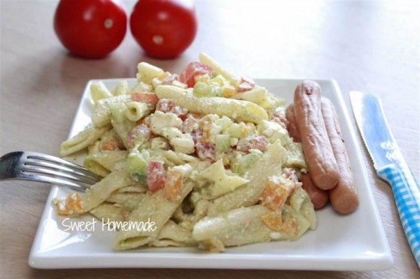 Griekse koude pasta salade, heerlijk bij ne BBQ