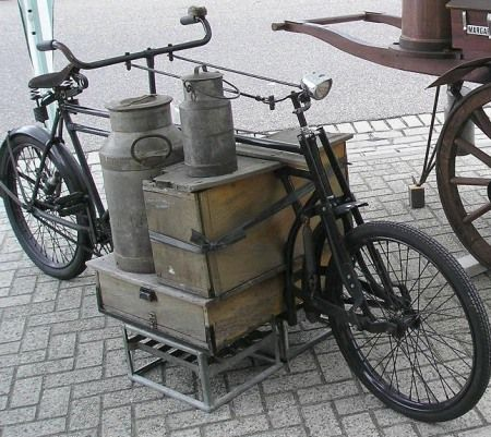 Dutch Delivery bike: No Tech Magazine: Tandem Cargo Tricycle (1940) & More Vintage Dutch Carrier Bikes