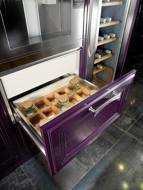 138 best images about eggplant color splash on pinterest for Aubergine kitchen cabinets