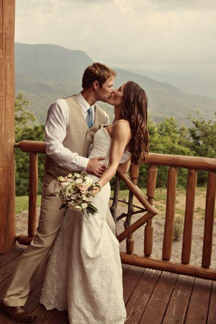 Rustic mountain wedding - Gatlinburg, TN- photographer…