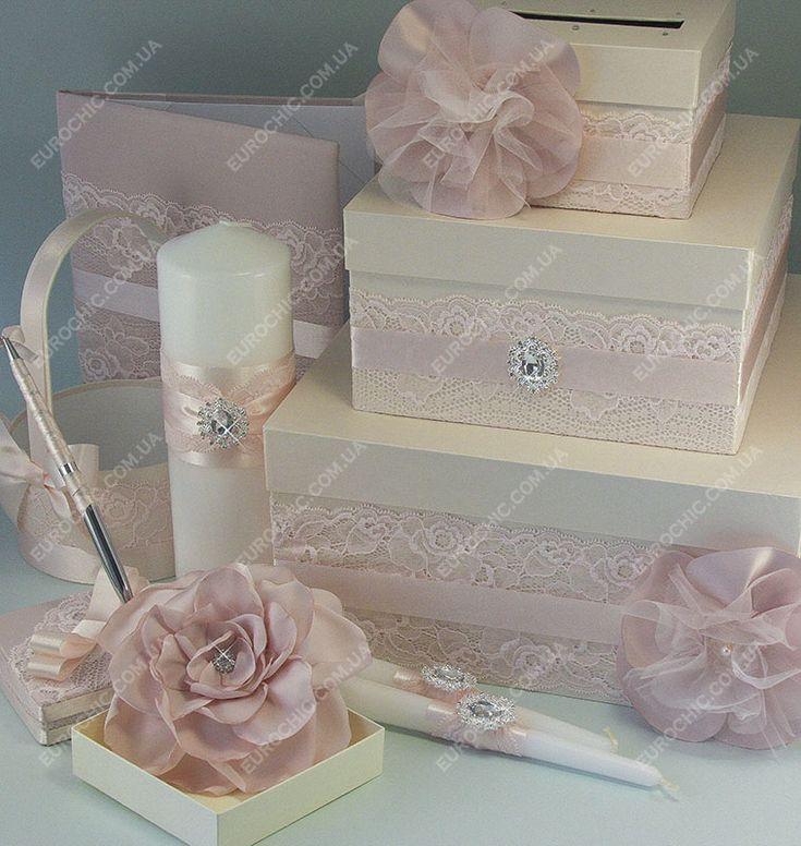 Свадебная коробка Кремово-пудровая с цветами в нежнейших пастельных тонах с фатиновыми цветами Сундучок из трех ярусов в от Шик Европейский