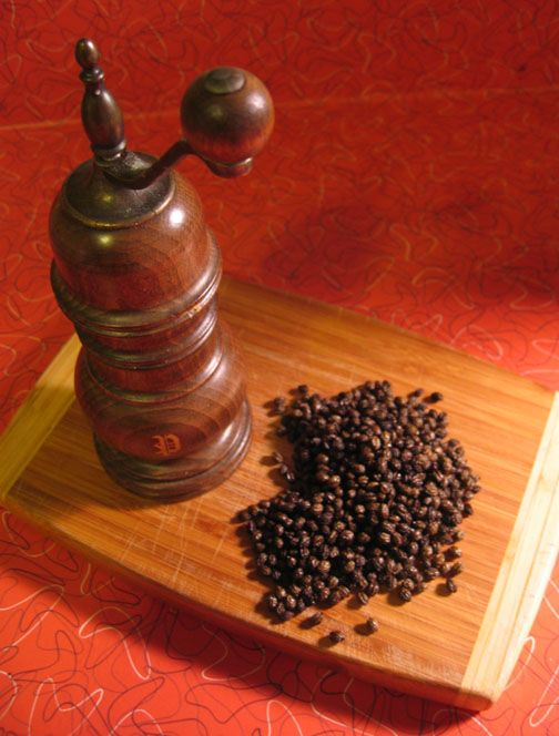 How to process papaya seeds into peppercorns -did this today with my mom!! pretty cool!