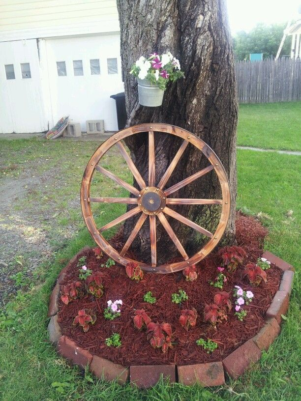 Mom S Wagon Wheel Garden
