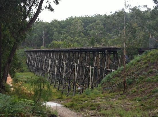 trestle-bridge.jpg 550×410 pixels