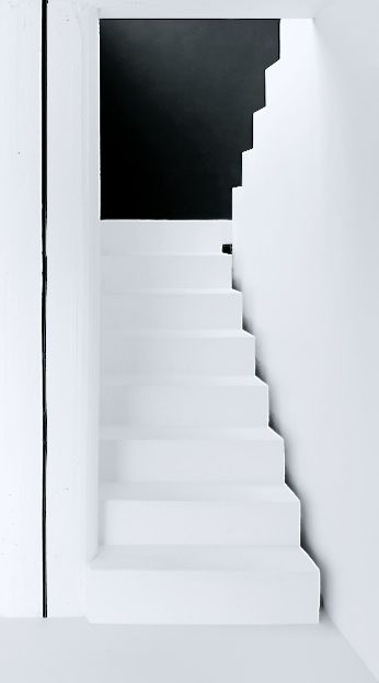 Contrasted staircase, simple and design