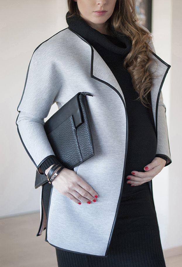 #SophieArtPhoto #futureal #grey #coat #black #fashion #fashionblogger #style #streetsyle #accessories #bracelet #clutch #maternitywear #pregnancy #casual #ilovemomblog