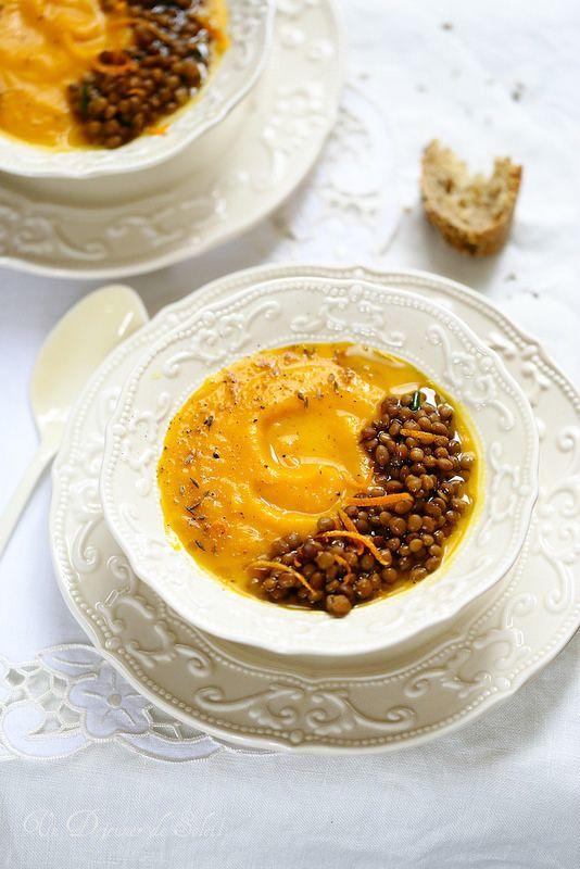 Soupe veloutée de courge butternut à l'orange et lentilles