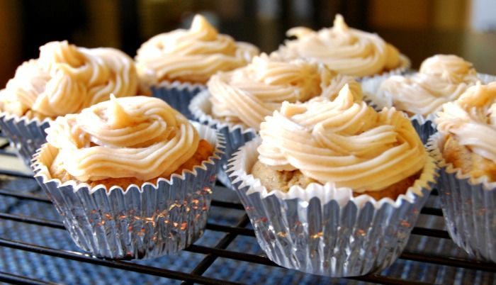 Pumpkin Cupcakes with Maple Cinnamon Cream Cheese Frosting from @Julia ...