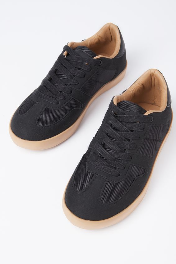 Harlem Sneaker Free